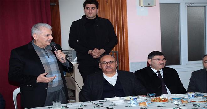 TBMM Başkanı ve AK Parti İstanbul Büyükşehir Belediye Başkan Adayı Binali Yıldırım Ümraniye'deki Mevlid Programına Katıldı