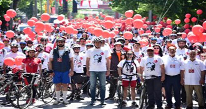 Kadıköy'de Pedallar 100'üncü Yıl İçin Döndü