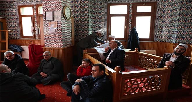 Başkan Hasan Can Vefat Eden Komşusu Fatma Karabıyık'ın Mevlidine Katıldı