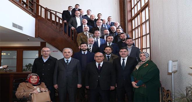 Başkan Hasan Can ve AK Parti Ümraniye Belediye Başkan Adayı İsmet Yıldırım AK Parti Ümraniye Belediyesi Meclis Üyeleriyle Bir Araya Geldi