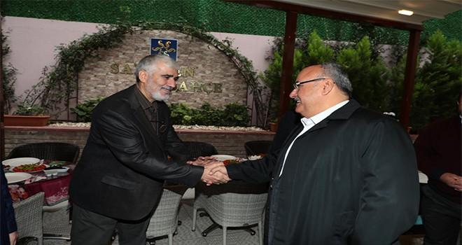 Başkan Hasan Can Güne Atatürk Mahallesi Bölge Esnafı İle Bir Araya Gelerek Başladı