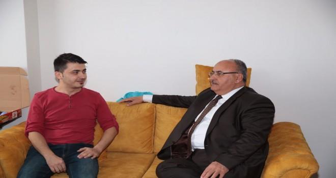Başkan Hasan Can, 15 Temmuz Gazisi Ersin Öztürk'ü Evinde Ziyaret Etti