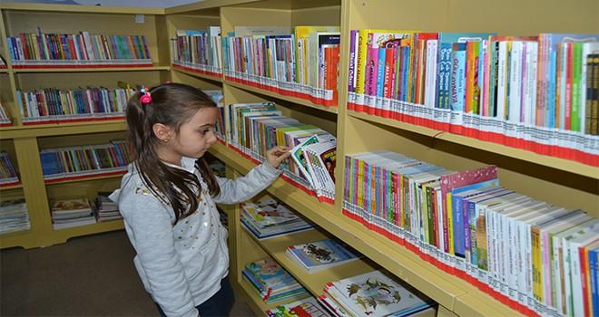 Çocuk Kütüphanesi Minik Okurların Hizmetinde