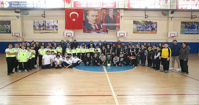 Ümraniye Belediyesi 6. Geleneksel Çocuk Oyunları Başladı