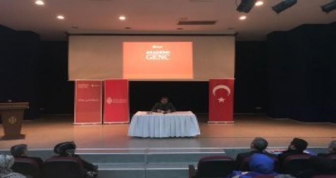 Akademi Genç'in Bu Haftaki Konuğu Çevre ve Şehircilik Eski Bakanı İdris Güllüce Oldu