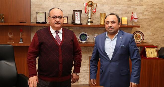 İstanbul Çorum Eğitimci ve Sanayi İş Adamları Dernek Başkanı Mehmet Karaca'dan Başkan Hasan Can'a Ziyaret