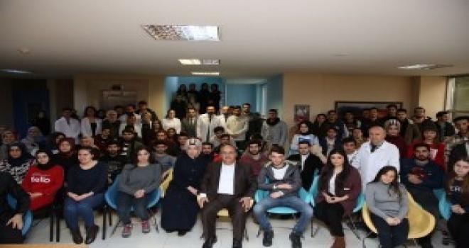 Başkan Hasan Can, Cemil Meriç Gençlik ve Kültür Merkezi'nde Öğrencilerle Buluştu