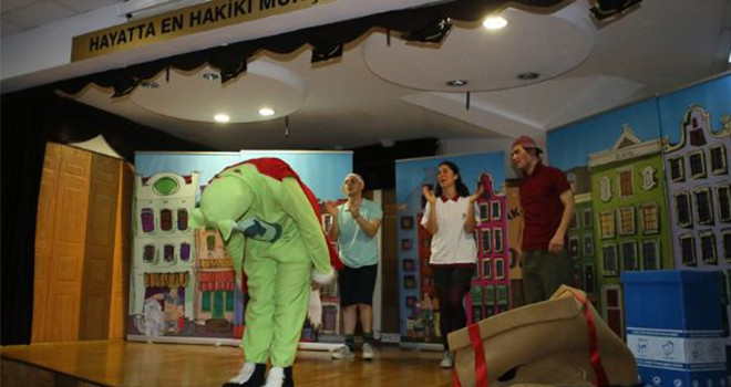 'En Çevreci Tiyatro' Bayrampaşa'da Sahnelendi