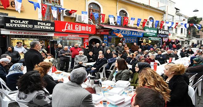 Başkan Türkmen Üsküdar Kapalı Çarşı Ve Merkez Çarşı Esnafıyla Kahvaltıda Buluştu