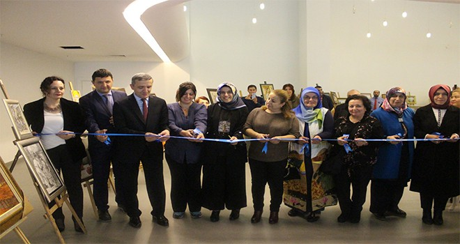 Üsküdar Belediyesi Küp Üyelerinin Sergisine Ev Sahipliği Yapıyor
