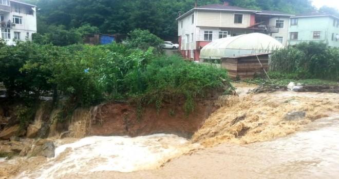 Beykoz Belediyesi Ekipleri Yağmura Karşı Sahada
