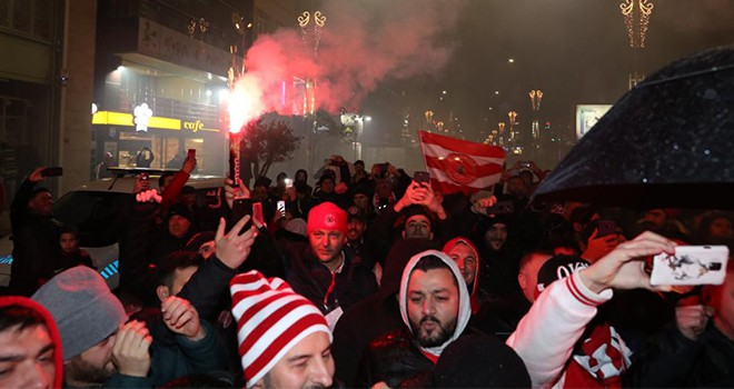 Ümraniyespor'un Yarı Final Kutlaması