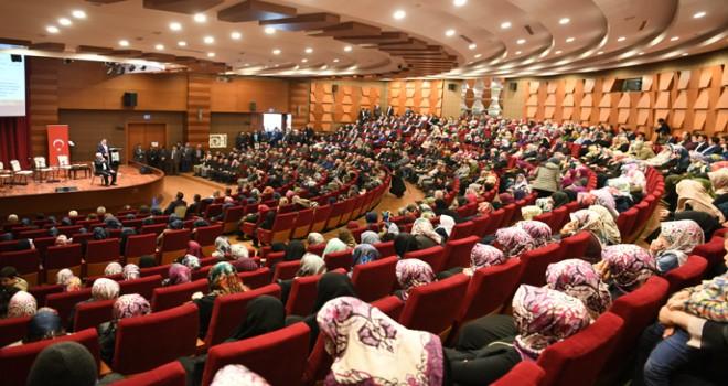 """Tuzla'da Mevlid-i Nebi Programında """"Peygamber Efendimizin Örnek Kişiliği"""" Paneli Düzenlendi"""