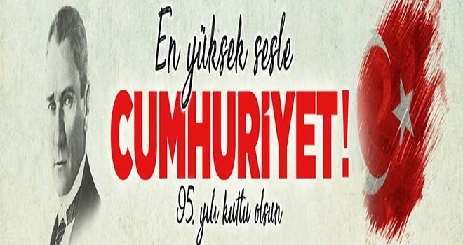 """""""En Yüksek Sesle Cumhuriyet"""" Ataşehir'de!"""