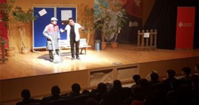 Ders-i Hayat Tiyatro Oyunu Ümraniyeli Gençler İçin Sahnelendi