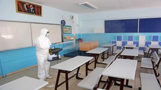 Ataşehir Belediyesi, Ataşehir'deki okulları LGS Sınavı öncesi dezenfekte etti