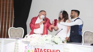 Ataşehir'de nikahlar normalleşme süreci ile önlemleri kapsamında kıyılmaya başlandı