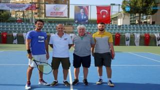Ataşehir Belediye Başkanlığı 1. Senyör Tenis Turnuvası Başladı