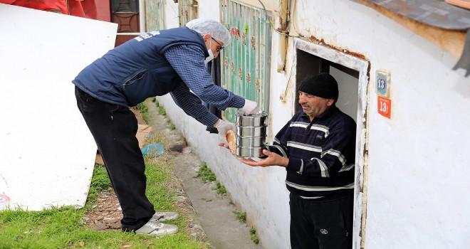 Ataşehir'de ihtiyaç sahibi vatandaşlar için yeni hizmetler başlatıldı